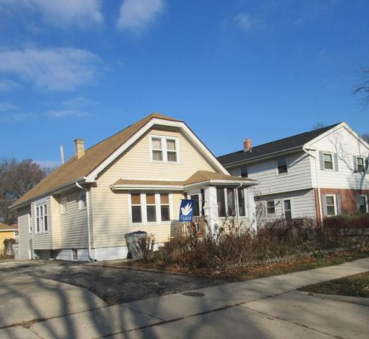 2734 W Oriole Dr, Milwaukee, WI 53209 (#1616782) :: RE/MAX Service First