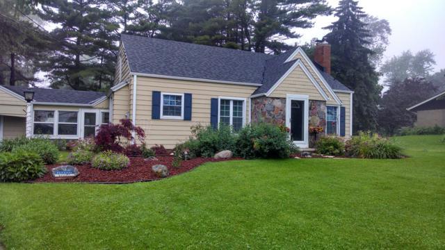 8275 S 13th, Oak Creek, WI 53154 (#1616795) :: Vesta Real Estate Advisors LLC