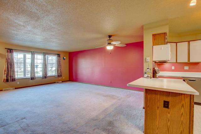10153 W Whitnall Edge Dr A, Franklin, WI 53132 (#1616802) :: Vesta Real Estate Advisors LLC