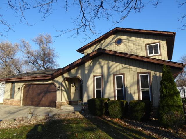 8160 S Steepleview Dr, Franklin, WI 53132 (#1616867) :: Vesta Real Estate Advisors LLC