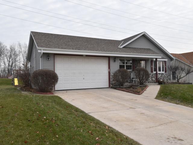 8614 S Maize Dr, Oak Creek, WI 53154 (#1616876) :: Vesta Real Estate Advisors LLC