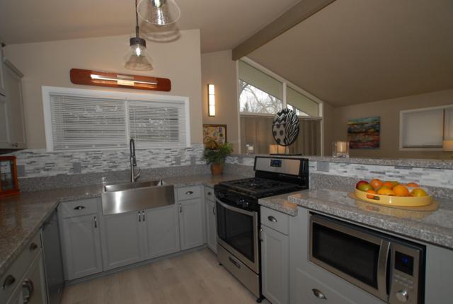9364 S Chicago Road, Oak Creek, WI 53154 (#1616901) :: Vesta Real Estate Advisors LLC