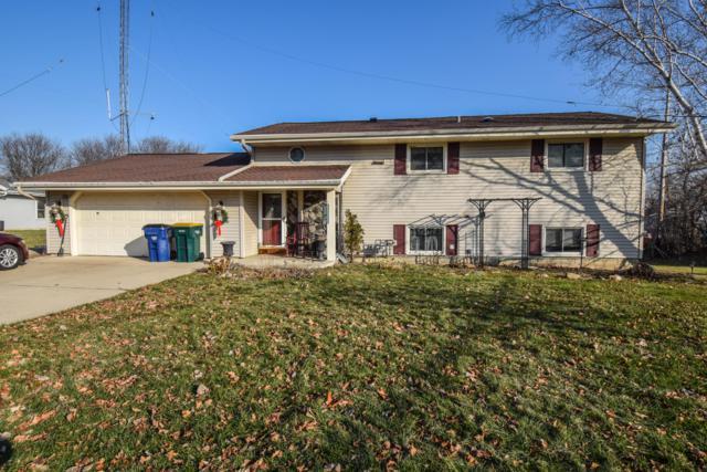 650 E Parkway Estates Dr, Oak Creek, WI 53154 (#1616940) :: Vesta Real Estate Advisors LLC