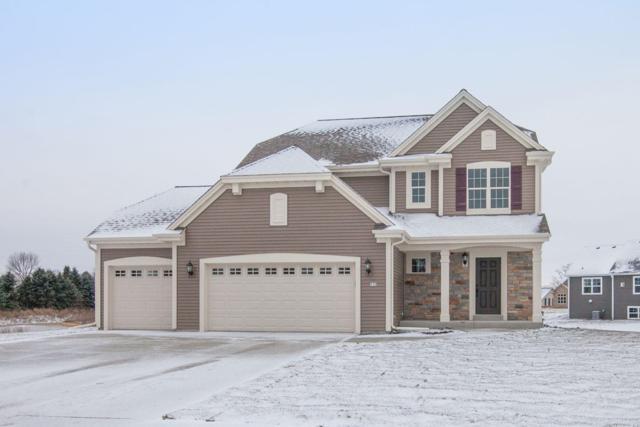 517 Meadowbrook Ct, Slinger, WI 53086 (#1617001) :: Vesta Real Estate Advisors LLC