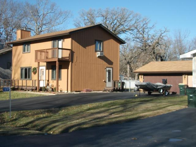 1616 Swallow Rd, Twin Lakes, WI 53181 (#1617124) :: Tom Didier Real Estate Team
