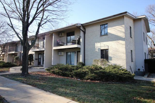 1671 S Coachlight Dr, New Berlin, WI 53151 (#1617126) :: Tom Didier Real Estate Team