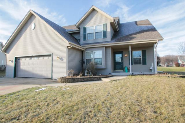 973 Bluebird Ct, Hartford, WI 53027 (#1617196) :: Tom Didier Real Estate Team