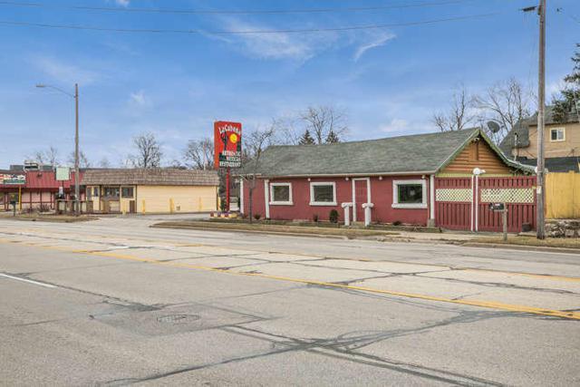 24221 75th St, Paddock Lake, WI 53168 (#1619113) :: Vesta Real Estate Advisors LLC