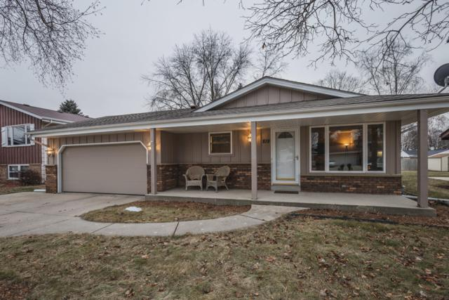 819 Clear View Dr, West Bend, WI 53090 (#1619453) :: Tom Didier Real Estate Team