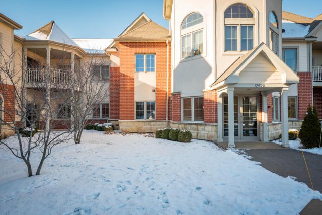 17490 Crest Hill Dr #10, Brookfield, WI 53045 (#1619495) :: Tom Didier Real Estate Team