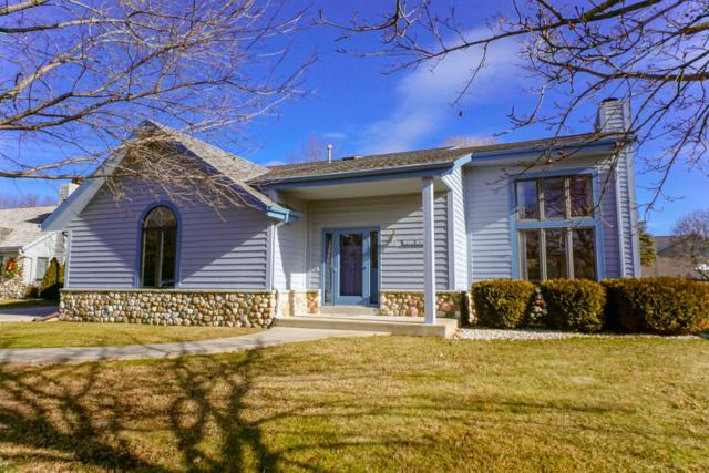 W163N7630 Tamarack Trl, Menomonee Falls, WI 53051 (#1619900) :: Tom Didier Real Estate Team