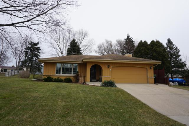 9326 S Springhill Ln, Franklin, WI 53132 (#1620136) :: eXp Realty LLC