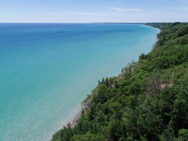 598 Lake Shore Rd, Grafton, WI 53024 (#1620367) :: Tom Didier Real Estate Team