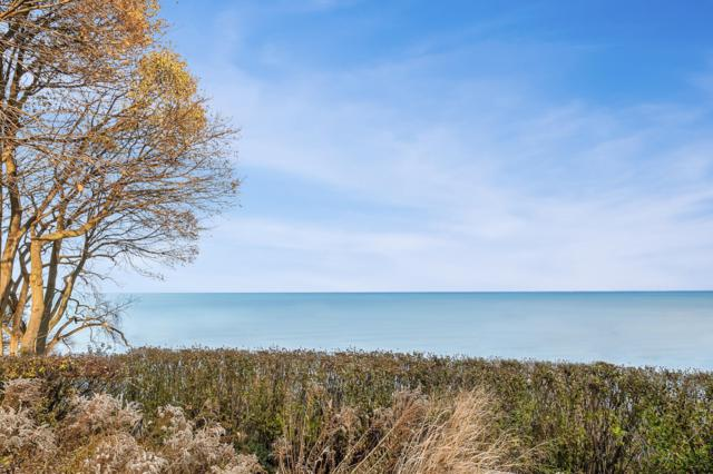 5862 N Shore Dr, Whitefish Bay, WI 53217 (#1620513) :: eXp Realty LLC
