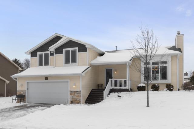 917 Hudson Trl, Lake Geneva, WI 53147 (#1620534) :: Tom Didier Real Estate Team