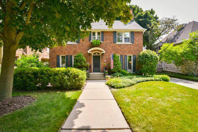 4454 N Maryland Ave, Shorewood, WI 53211 (#1620547) :: Tom Didier Real Estate Team