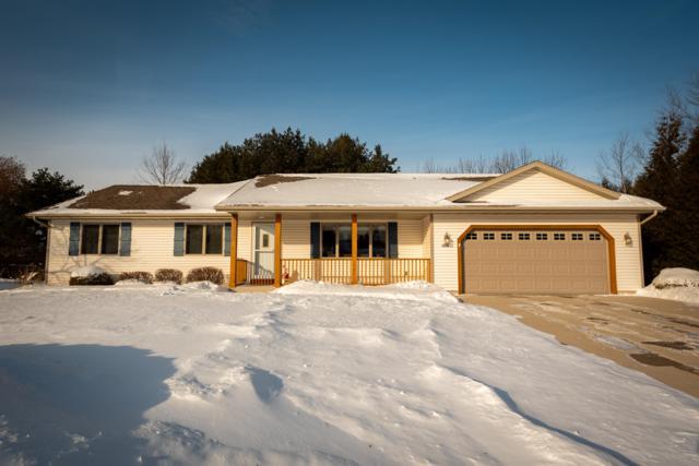 1333 Blackwood Ct, Sheboygan, WI 53081 (#1621506) :: Tom Didier Real Estate Team