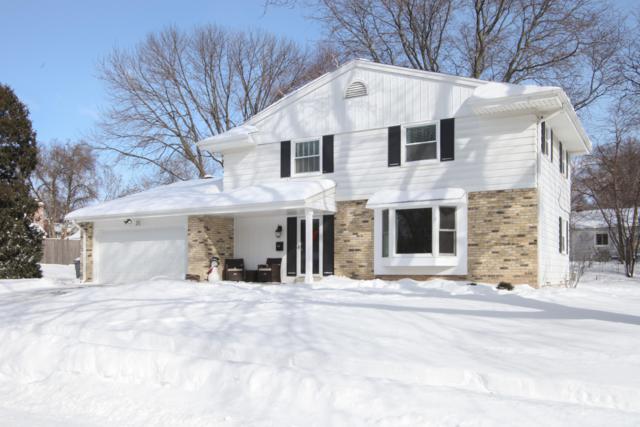 W56N818 Meadow Ln, Cedarburg, WI 53012 (#1621561) :: Tom Didier Real Estate Team