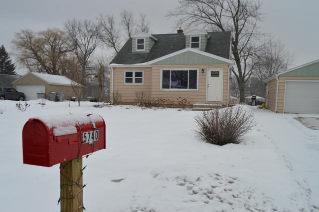 5740 S 21st St, Milwaukee, WI 53221 (#1622393) :: Tom Didier Real Estate Team