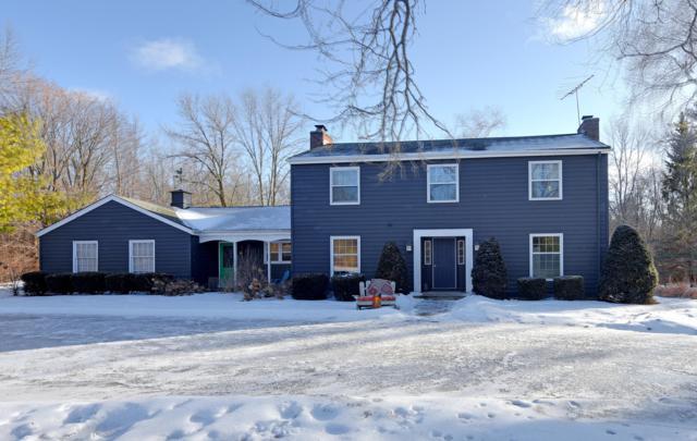 10635 W Foxcroft Dr, Cedarburg, WI 53012 (#1622429) :: Tom Didier Real Estate Team