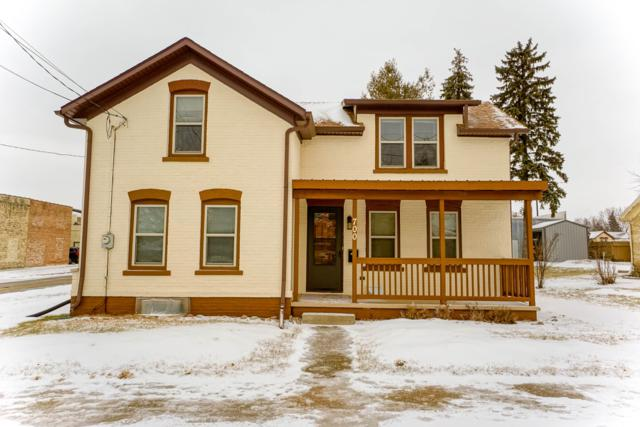 700 Market St, Watertown, WI 53094 (#1622635) :: RE/MAX Service First