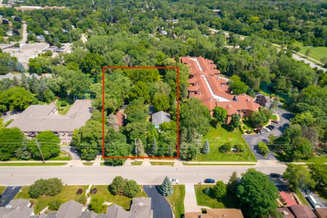 1714 W Green Tree Rd, Glendale, WI 53209 (#1622664) :: eXp Realty LLC