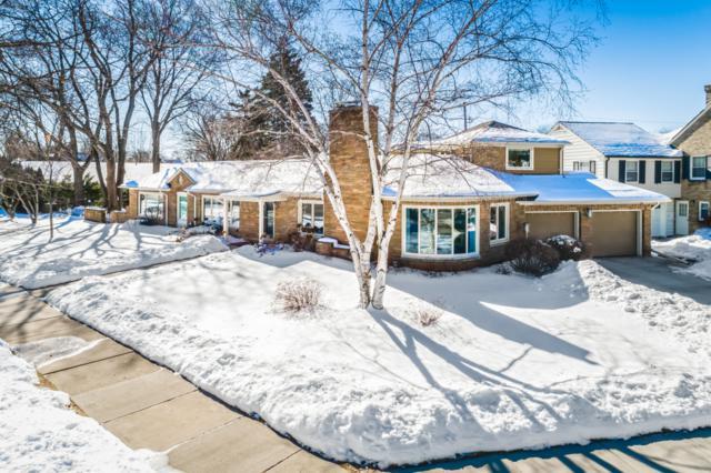 4515 N Lake Dr, Whitefish Bay, WI 53211 (#1622825) :: Tom Didier Real Estate Team