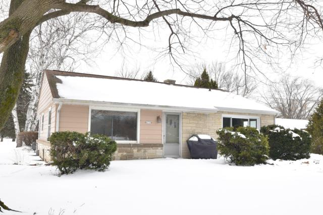 4530 W Willow Rd, Mequon, WI 53092 (#1622897) :: eXp Realty LLC