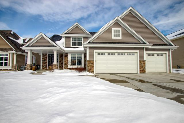 1514 Foxwood Pass, Oconomowoc, WI 53066 (#1622902) :: RE/MAX Service First Service First Pros