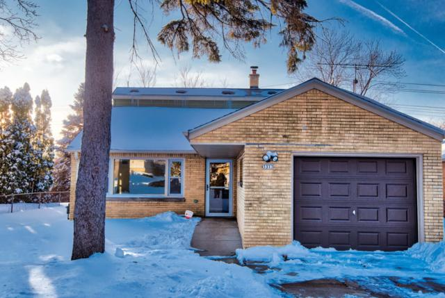 3373 N 93rd St, Milwaukee, WI 53222 (#1622943) :: eXp Realty LLC