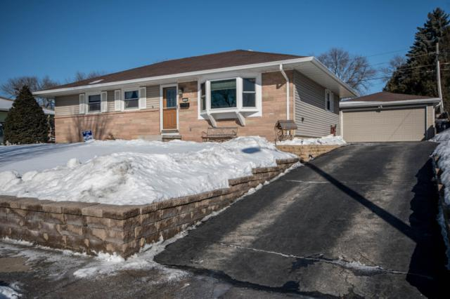 1132 Maitland Dr, Waukesha, WI 53188 (#1622973) :: RE/MAX Service First
