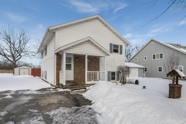 7110 250th Ave, Paddock Lake, WI 53168 (#1623038) :: Tom Didier Real Estate Team