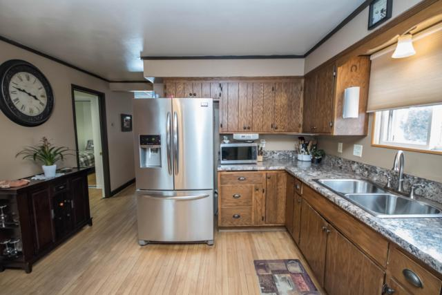 2318 S 62nd St, West Allis, WI 53219 (#1623047) :: RE/MAX Service First
