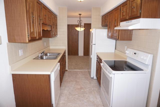 6329 W Nebraska Ave #101, Milwaukee, WI 53220 (#1623053) :: RE/MAX Service First