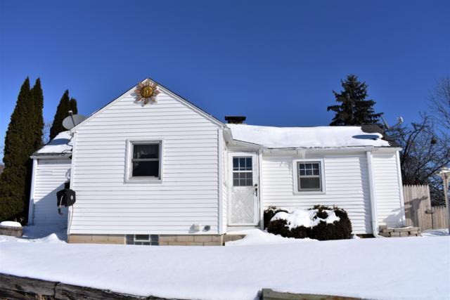 628 S Garfield, Port Washington, WI 53074 (#1623188) :: Tom Didier Real Estate Team