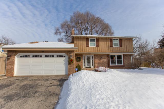 1102 Eastern Trl, Mukwonago, WI 53149 (#1624143) :: RE/MAX Service First Service First Pros