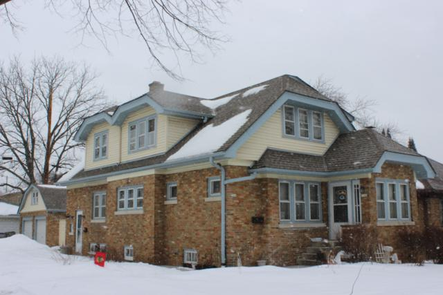 7144 W Saint Paul Ave, Milwaukee, WI 53213 (#1624881) :: RE/MAX Service First Service First Pros