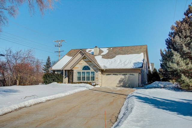440 Fairway Dr, Brookfield, WI 53005 (#1625346) :: eXp Realty LLC