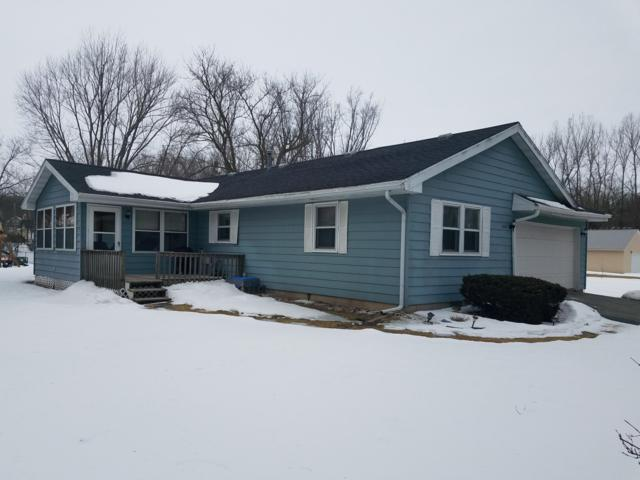 4215 Mulberry Ave, Delavan, WI 53115 (#1625530) :: RE/MAX Service First Service First Pros