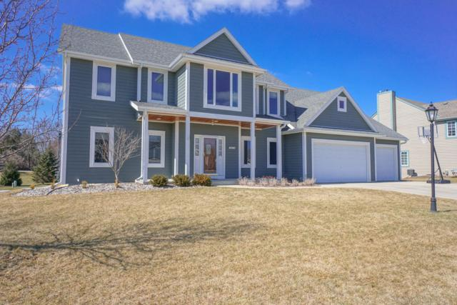 670 Majestic View Ln, Oconomowoc, WI 53066 (#1627002) :: RE/MAX Service First Service First Pros