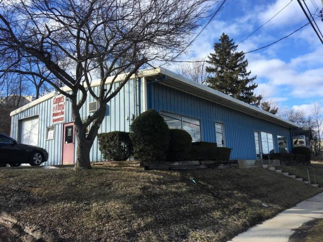 1596 E North St, Waukesha, WI 53188 (#1627337) :: eXp Realty LLC