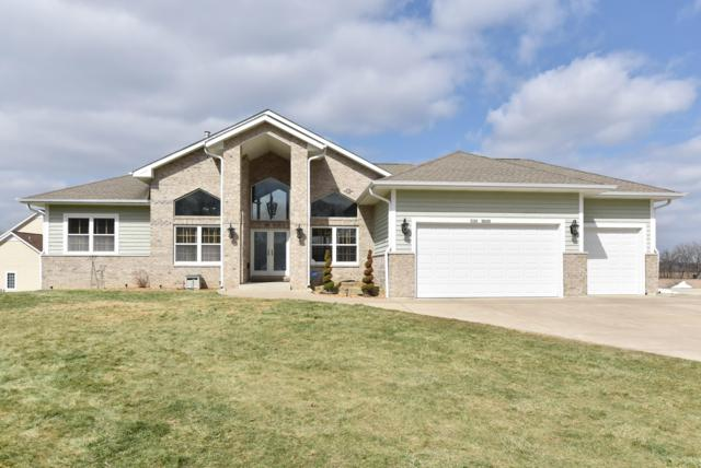 W125S9379 Prairie Meadows Dr, Muskego, WI 53150 (#1627348) :: RE/MAX Service First Service First Pros