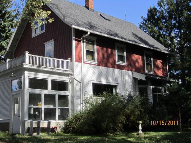 217 Horns Corners Rd, Cedarburg, WI 53012 (#1628996) :: Tom Didier Real Estate Team
