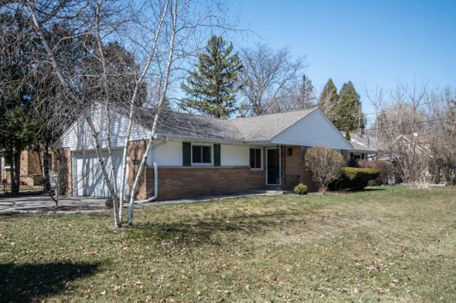 804 W Montclaire Ave, Glendale, WI 53217 (#1630561) :: eXp Realty LLC