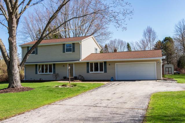 2123 W Glen Oaks Ln, Mequon, WI 53092 (#1630935) :: eXp Realty LLC