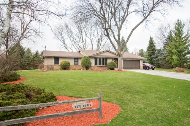 W272S3927 Overlook Ln, Waukesha, WI 53189 (#1630998) :: Tom Didier Real Estate Team