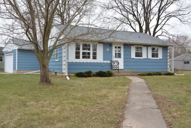 W59N757 Highwood Dr, Cedarburg, WI 53012 (#1631054) :: Tom Didier Real Estate Team