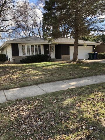 1211 W Willow Dr, Oak Creek, WI 53154 (#1631164) :: eXp Realty LLC