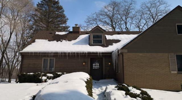 1690 Aqua View Ct, Grafton, WI 53012 (#1631275) :: Tom Didier Real Estate Team