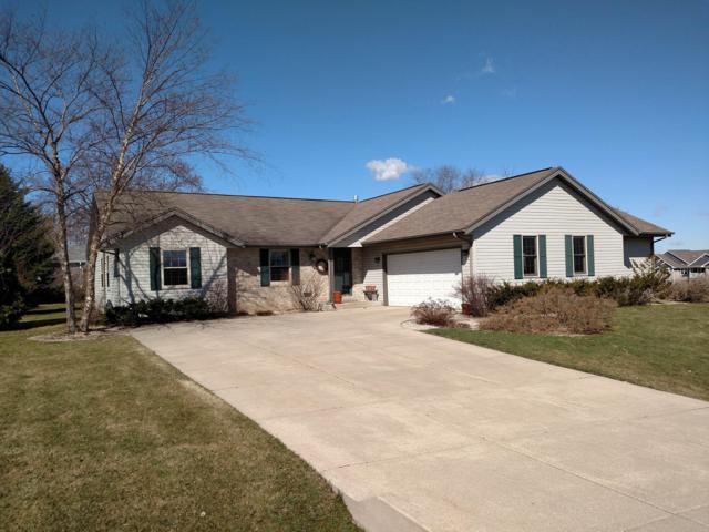 7911 S Long Meadow Dr, Oak Creek, WI 53154 (#1631496) :: eXp Realty LLC